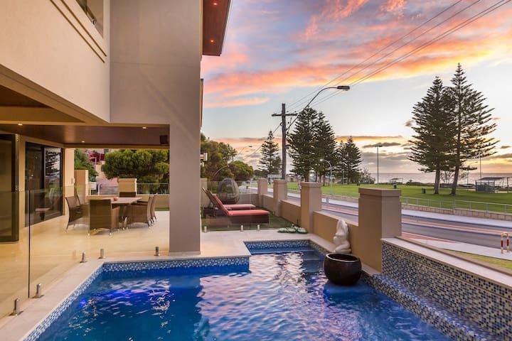 Beach Front Splendour 3 bed x 2 bath - Mullaloo - 公寓