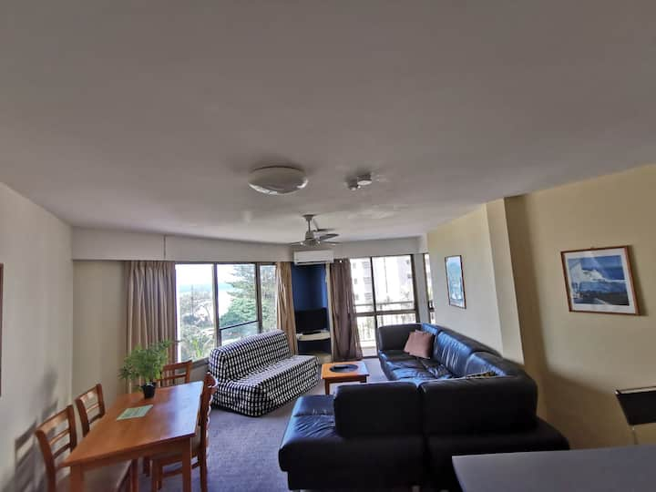 1Bedroom w/ Pool view in Surfers Paradise