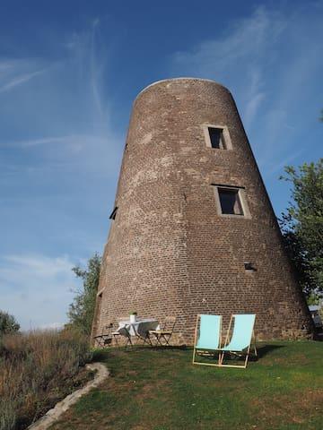 """moulin du """"ya""""  gîte  insolite  de 1 a 4 personnes"""