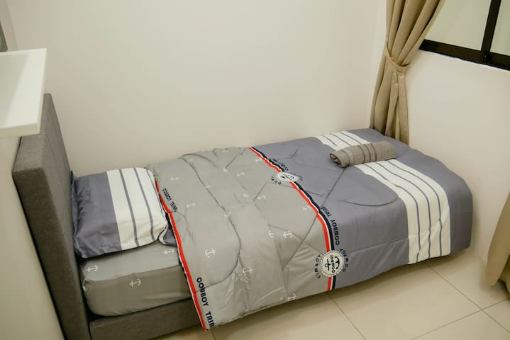 #4 Comfy room with walking distance to MRT Station