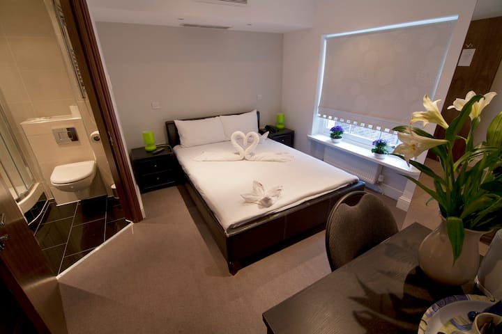 NOX HOTELS, Double Room next to Hyde Park