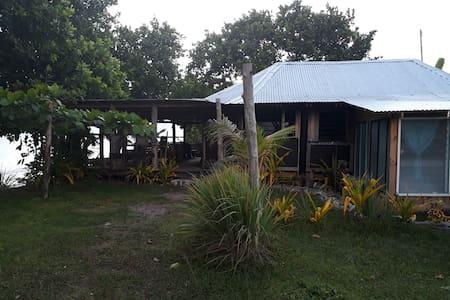Club Vaiula house/bar, beach front epicness