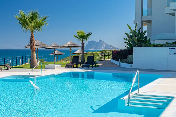 2226-Luxury sea and golf view apartment
