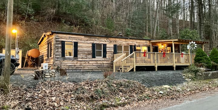 Rustic/Chic Cabin- Pisgah Nat Forest -Wilson Creek