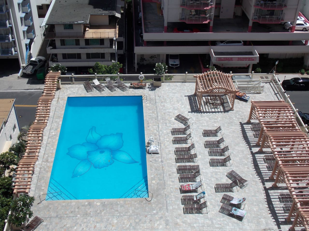 Island Colony Studios in the heart of Waikiki! - Resorts for Rent in ...