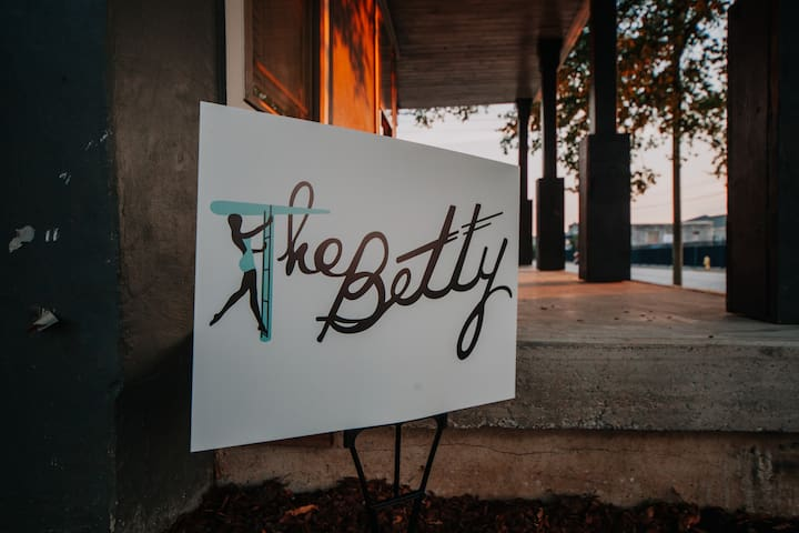 The Betty- High-end, Urban Oasis and Event Space