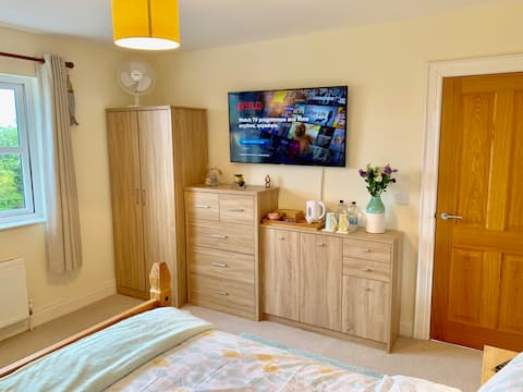 Private Bedroom with Private Bathroom, Ballycastle