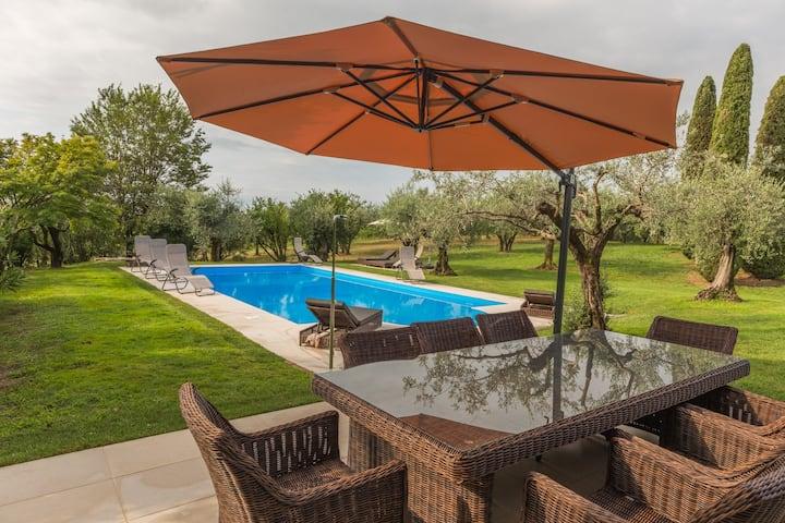 Villa a Lazise-Lussuosa con piscina e vista lago