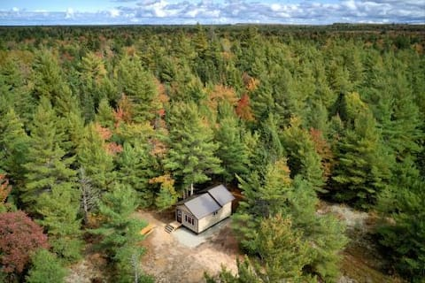 Off-Grid Lux Cabin in the Heart of Pictured Rocks