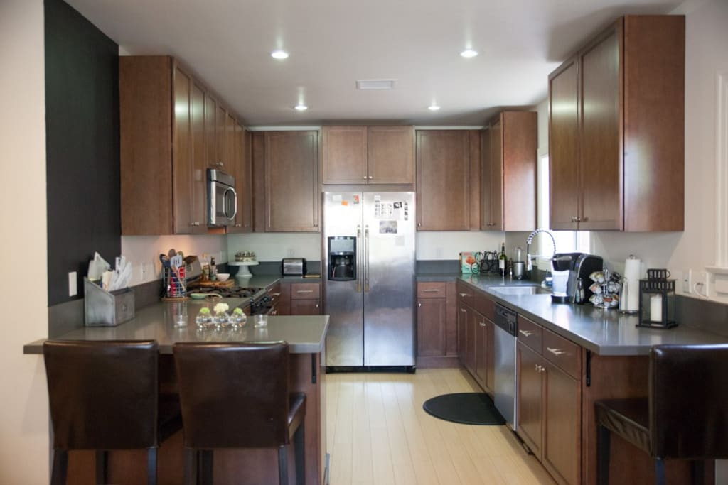 Open kitchen with everything you need to cook up a wonderful meal or just to store your leftovers