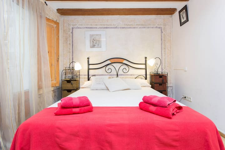 Comfy,Nice&Afordable Room 1820 renovated building