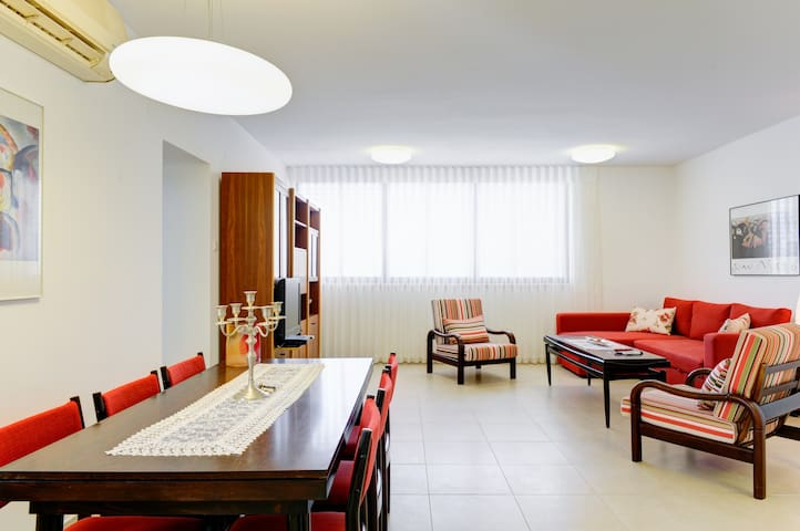 ~~Bavli Area- vast 2bedrooms/Comfortable and Calm