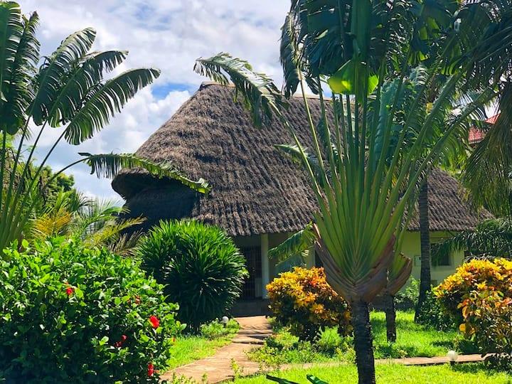 Diani Paradise Villas  -Villa Chale-