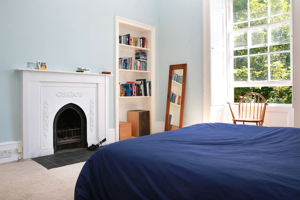 Open fire in the back bedroom.