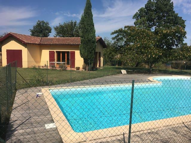 Dépendance avec accès piscine