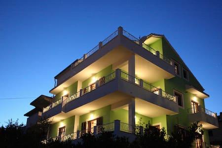 Apartman Beritić, island Hvar - Vrboska - Appartement