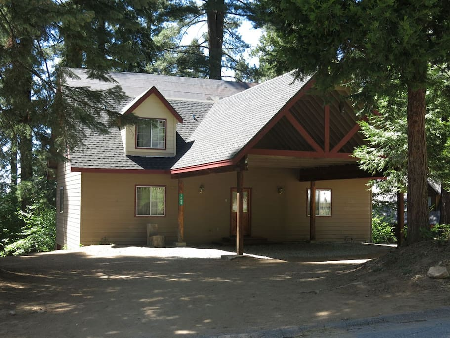 Yosemite hummingbird pines house cabins for rent in for Cabins in yosemite valley