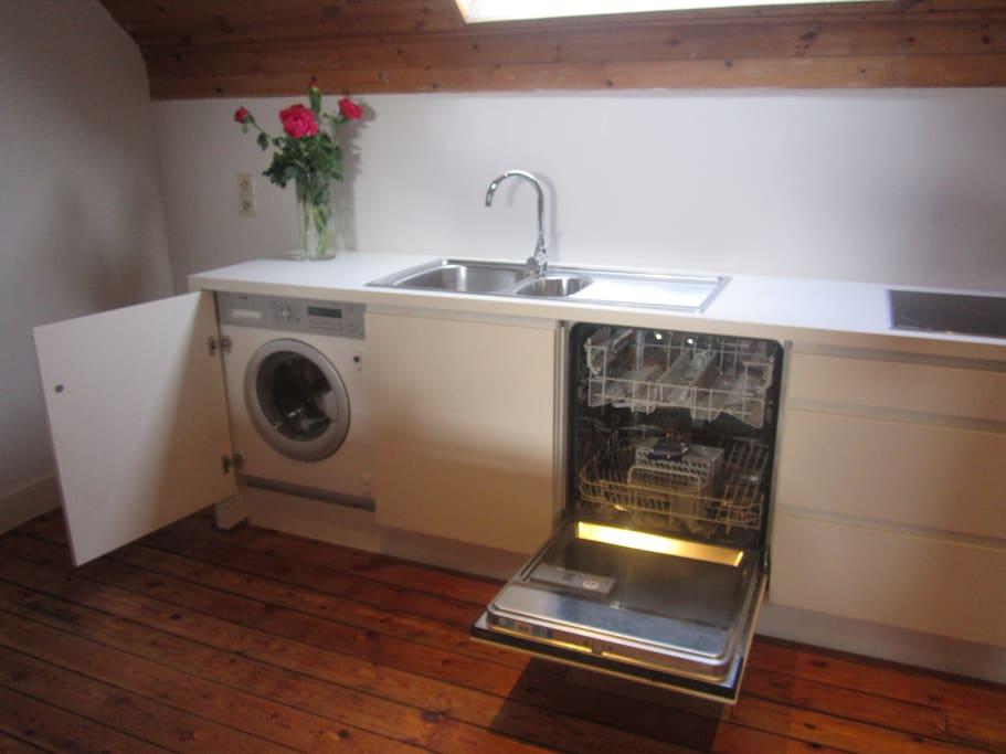 charme confort et espace apartments for rent in schaerbeek brussels belgium. Black Bedroom Furniture Sets. Home Design Ideas