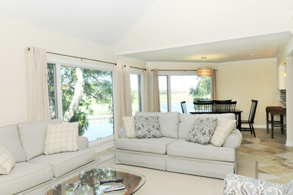 Spacious living/dining area with great views
