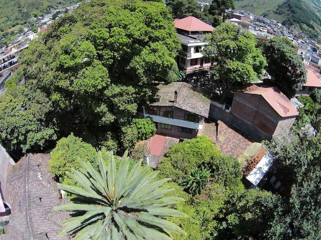 La Petite Auberge, hermoso hotel entre jardines2!