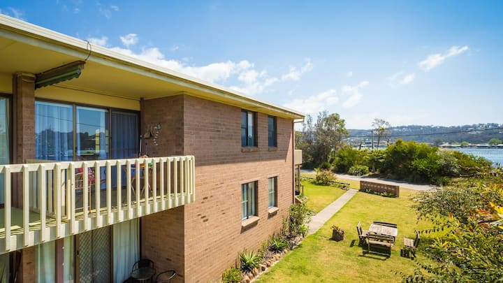 Siebel 7 - Water Front Property in Merimbula