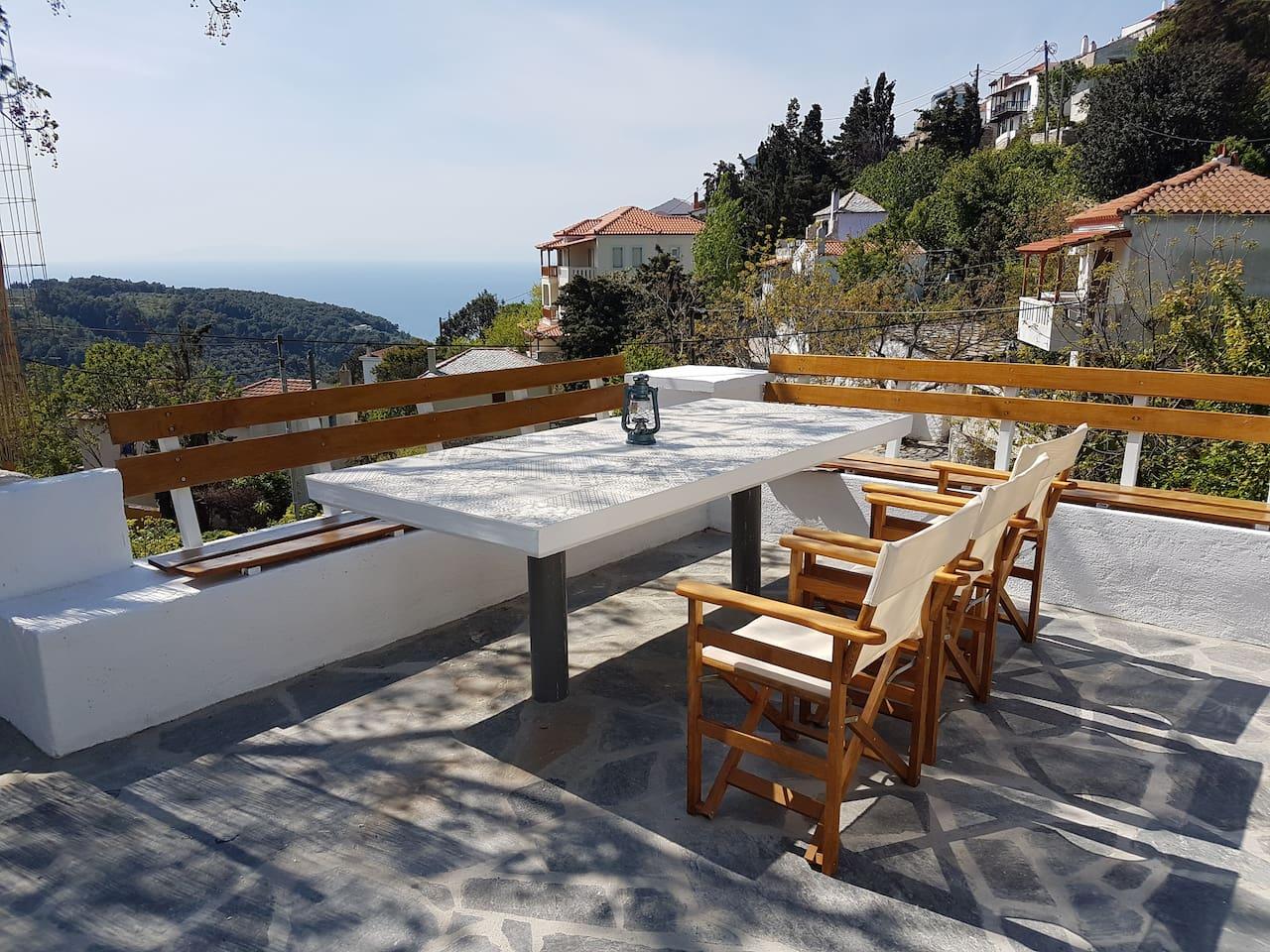Chariklia's Outdoors Veranda
