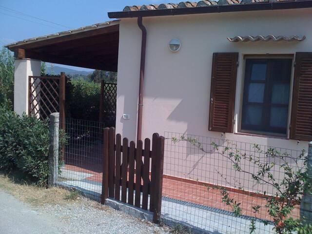 Casa Le Rondini  di Marina di Campo - marina di campo - บ้าน