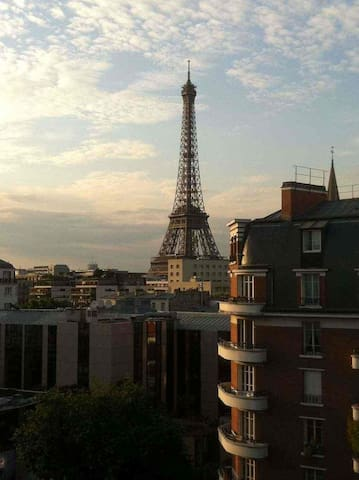 BEST VIEW, 5 min to Eiffel Tower - Paris - Apartamento