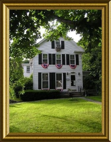 Established top rated CT B&B - Westbrook - Bed & Breakfast