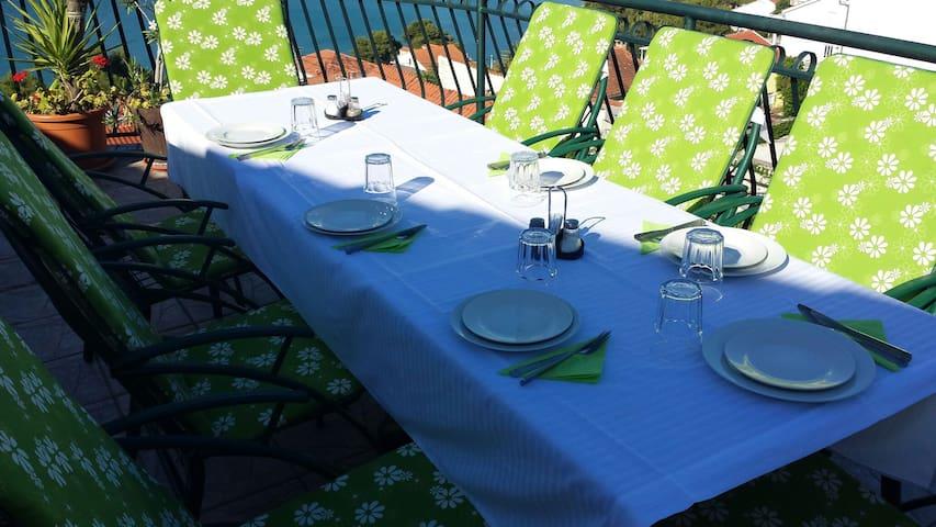 Apartment neer Trogir with pool - Mastrinka - Bed & Breakfast