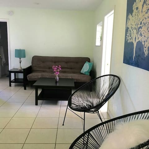 2 bedroom poolside unit near beach
