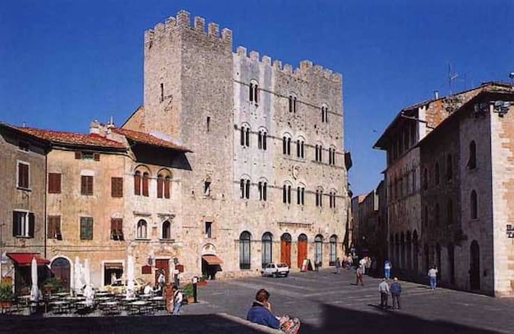 Guidebook for Massa Marittima