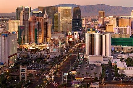 Business Travel Ready & Vaca-Stay Ready - North Las Vegas - Íbúð