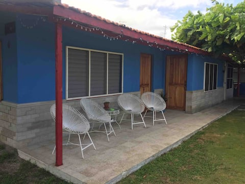 Casa de Renta- Vista Mar-cuarto 1 Juank y Arelys