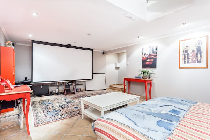 home cinema room with  queen size bed : room 4