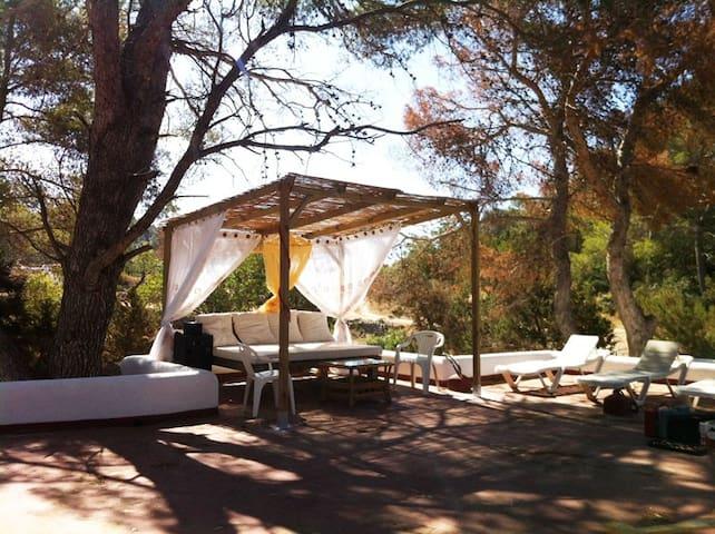 GUESTROOM IN BEAUTIFUL FINCA SALADA - Sant Antoni de Portmany - Ház