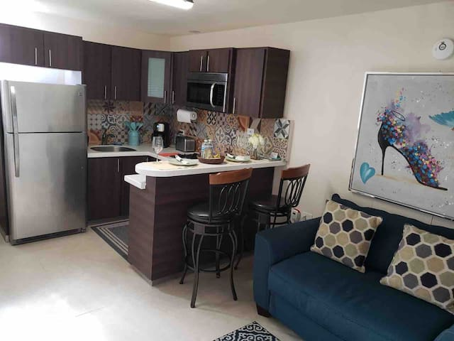 Remodeled apartment with FREE laundry