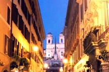 Spanish Steps and Via Frattina are 250 meters from the Apartment