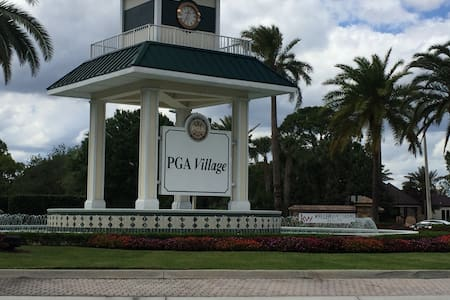 Cozy DBL RM-balcony - PGA community - 포트 세인트 루시(Port St. Lucie) - 아파트