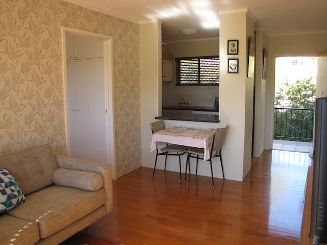 Neat, convenient and central pad - Highgate Hill - Pis