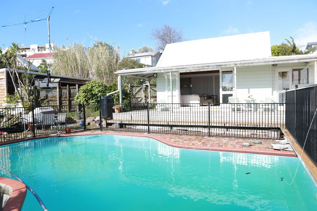 Beaconsfield B B The Pool House Townhouses For Rent In Grey Lynn Auckland New Zealand