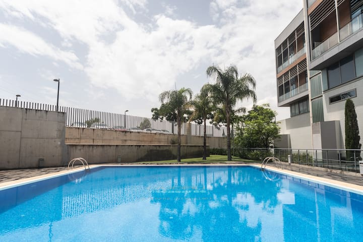 Duplex with Terrace, Billiards, Parking and Pool