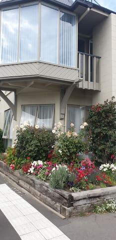 Akaroa's Premiere Waterfront Apartment #63