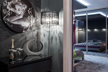 Luksusowa Rezydencja Marilyn Monroe Gorąca Beczka