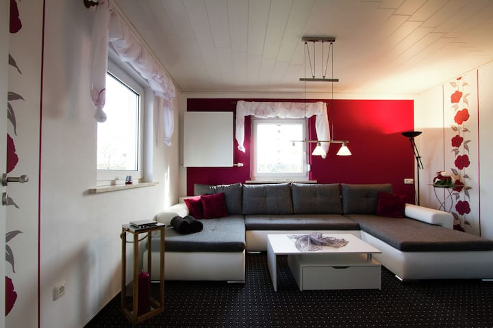 Very bright, friendly apartment with large roof terrace