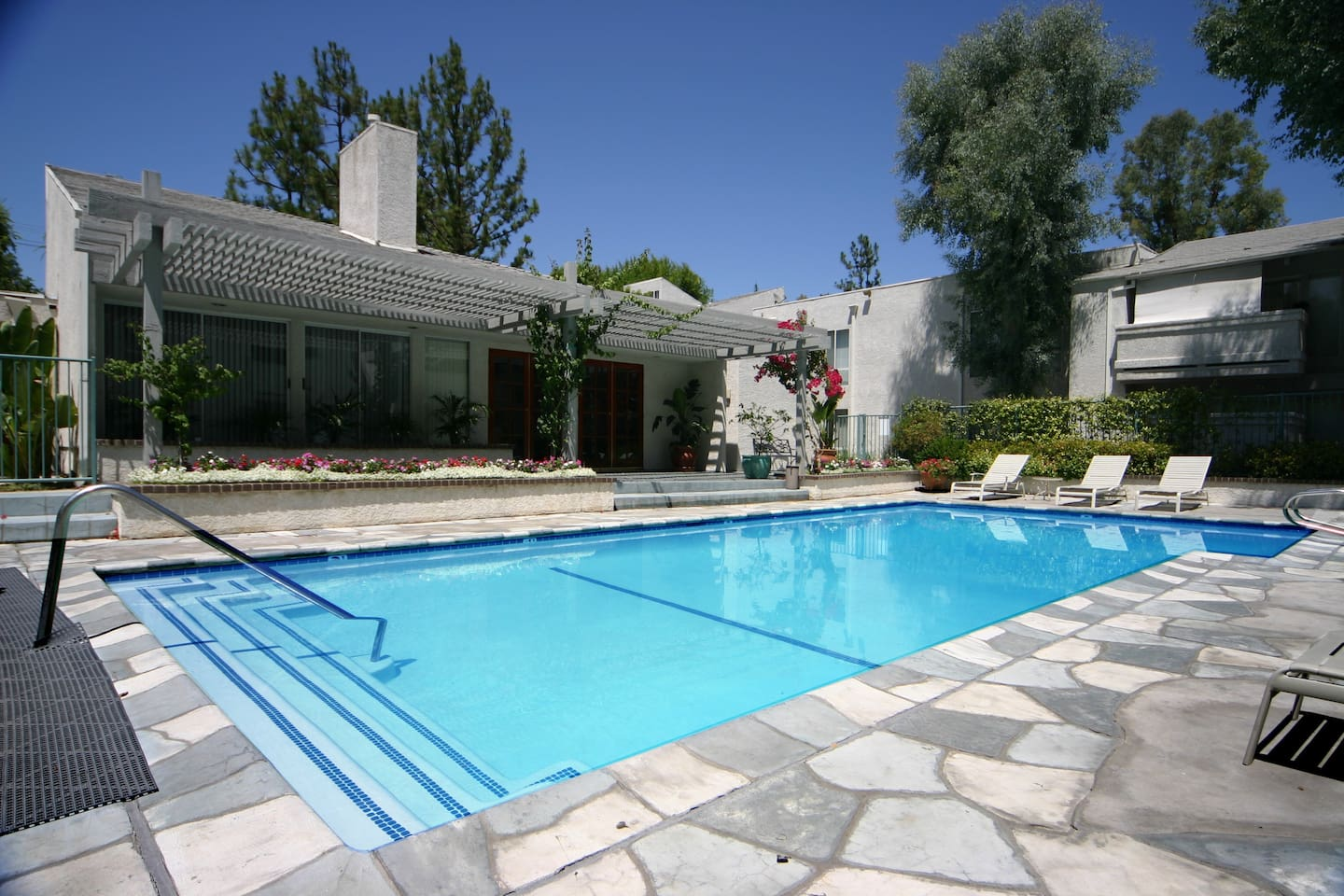 Typical Sunny California Weather. Swimming Pool. Club House And Billiard Table Inside.