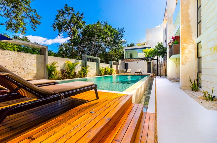TULUM 2Br condo, Beaches, AC Best Location