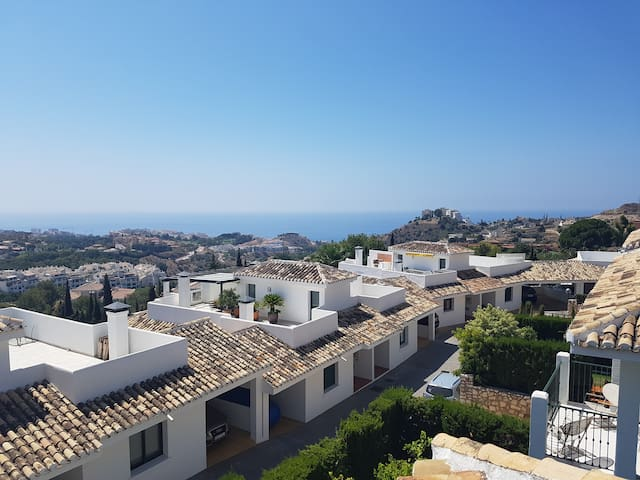 TOWNHOUSE IN BENALMADENA PUEBLO WITH NICE VIEWS