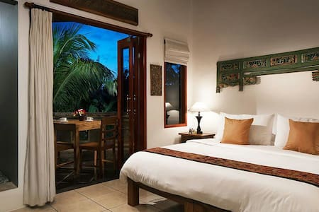 25% off Amrit Bed & Breakfast (Pucuk Room)