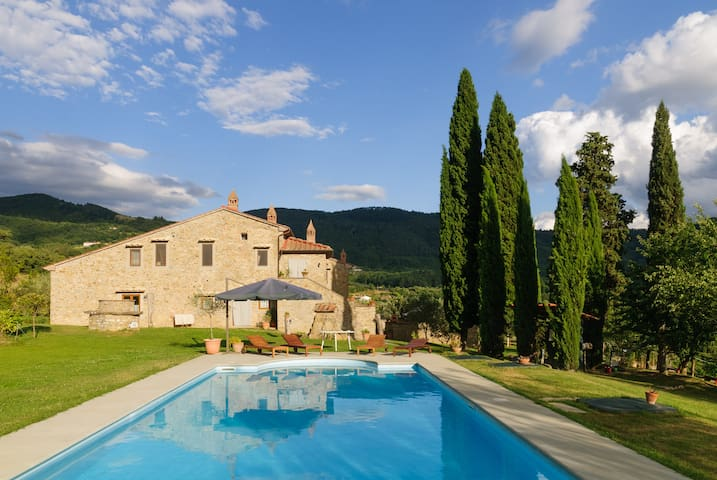 Villa immersa nel verde - Arezzo - Villa